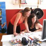 Marlen und Ireen im Büro