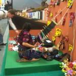 ITB 2010 - Kunsthandwerkerin am Messestand von Guatemala