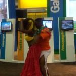 ITB 2010 - heiße Tanzeinlage am Messestand von Ecuador