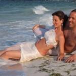"""""""Trash the dress"""" - unsere Kunden nach Ihrer Hochzeit am Strand von Mexiko"""