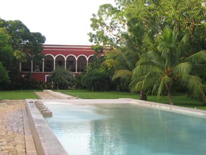der schöne Pool in der Hacienda Temozon