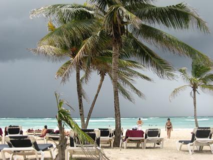 dramatischer Himmel über der Riviera Maya
